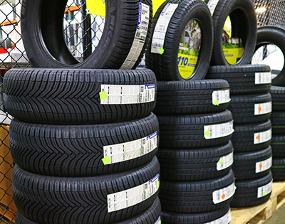 Tyres Button
